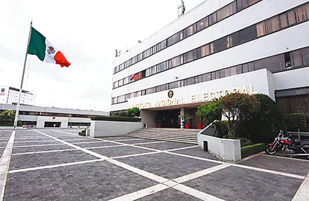 Aplaza Senado calendario para selección de consejeros del INE
