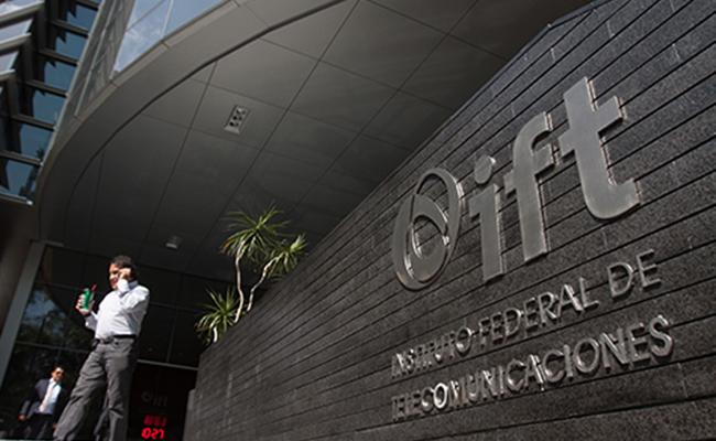 Ifetel otorga prórroga de 30 años a concesión de Telmex, para operar red pública telefónica