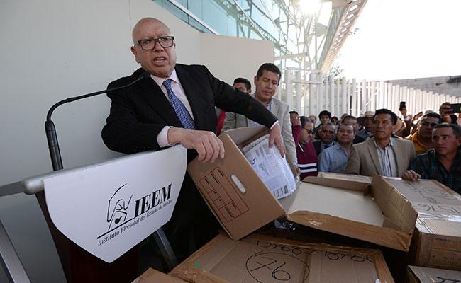 Pastor Medrano donará recursos de su campaña a hospitales
