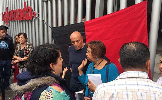 Trabajadores de La Jornada inician huelga; empresa la declara inexistente