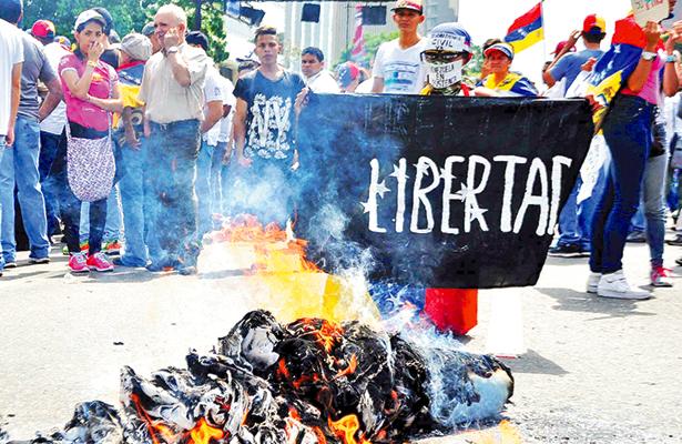Se descapitaliza Venezuela, sus reservas solo alcanzan 10 mil millones de dólares