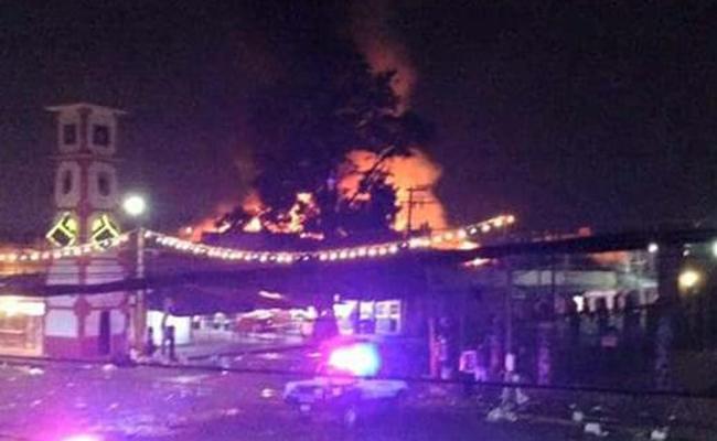 Incendio destruye más de 40 locales en mercado de Chalco