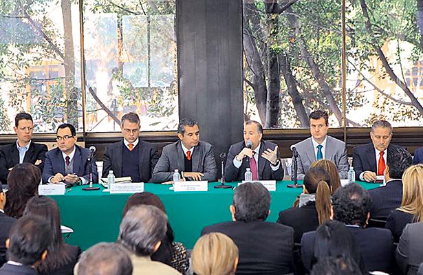 Se reúnen priístas con José Antonio Meade
