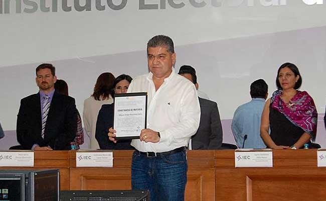 IEC acredita a Riquelme como gobernador electo de Coahuila