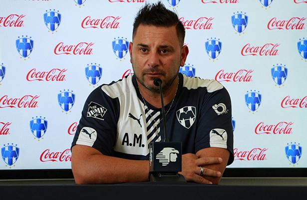 Antonio Mohamed espera derrotar a Jaguares