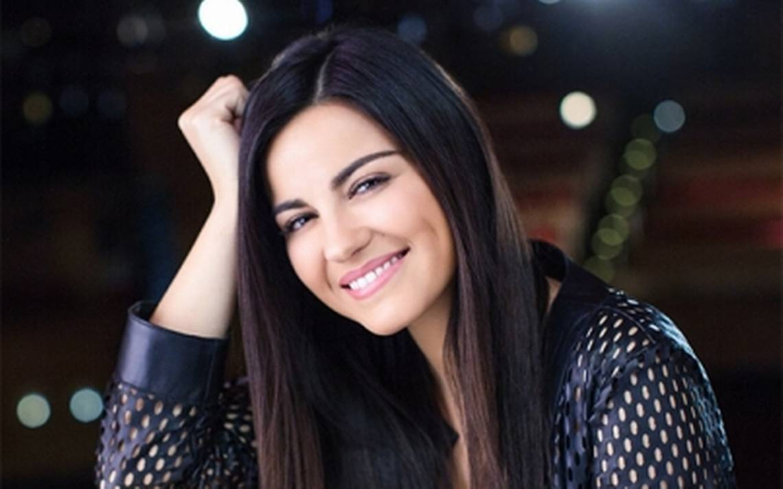 "La cantante Maite Perroni presenta su nuevo sencillo ""Como yo te quiero"""
