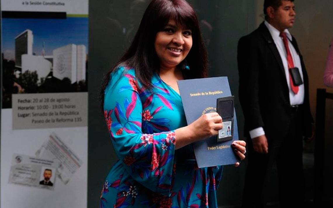"""""""Soy inocente y aquí estoy"""", dice Nestora Salgado al recibir credencial como senadora"""