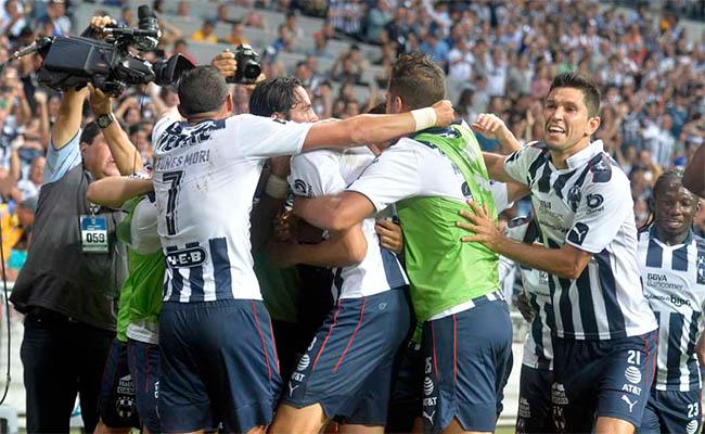 Monterrey vence 1-0 a Tigres en clásico regio