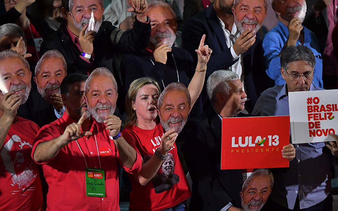 Lula lanza su candidatura presidencial desde la cárcel en Brasil