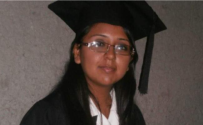 Confirman muerte de la maestra baleada por alumno en Monterrey