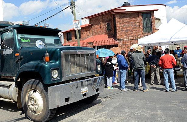 Pobladores acusan afectaciones por obras del tren México-Toluca