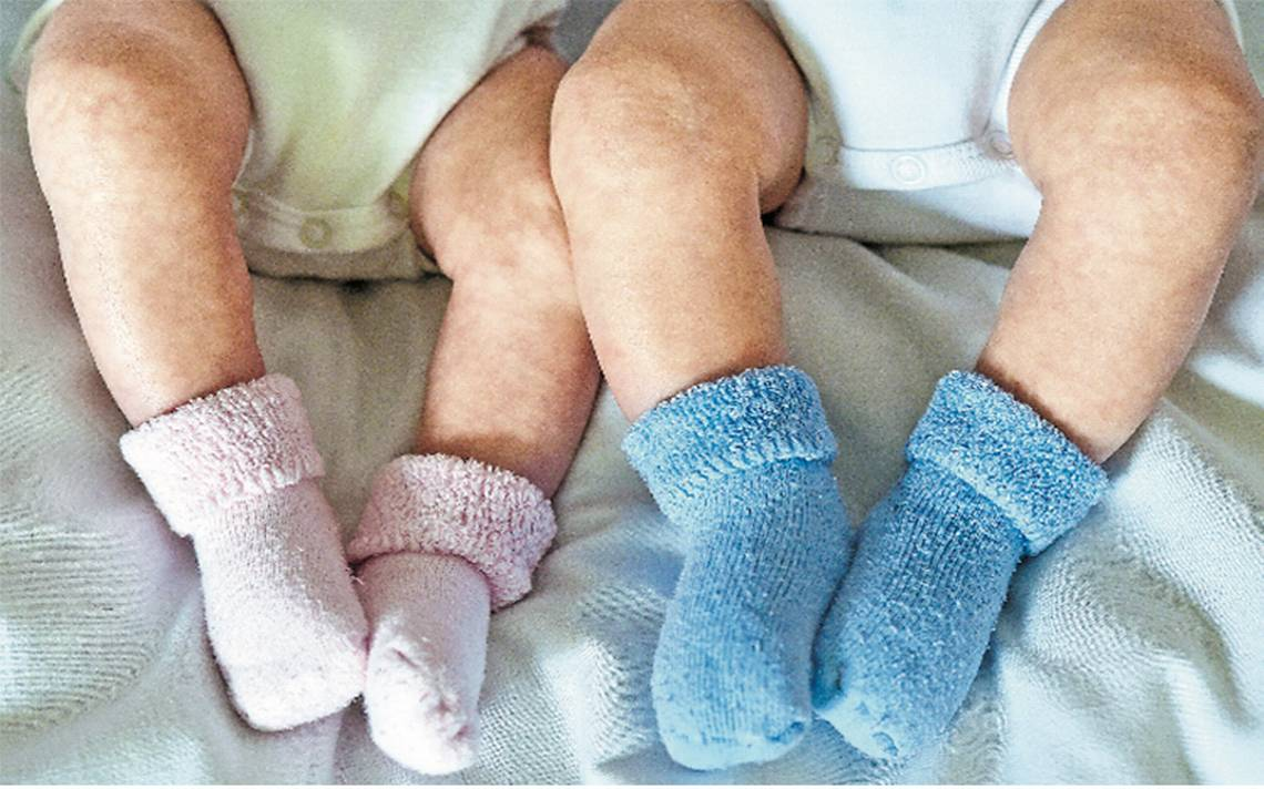 Bebé nace con el corazón fuera del pecho y sobrevive