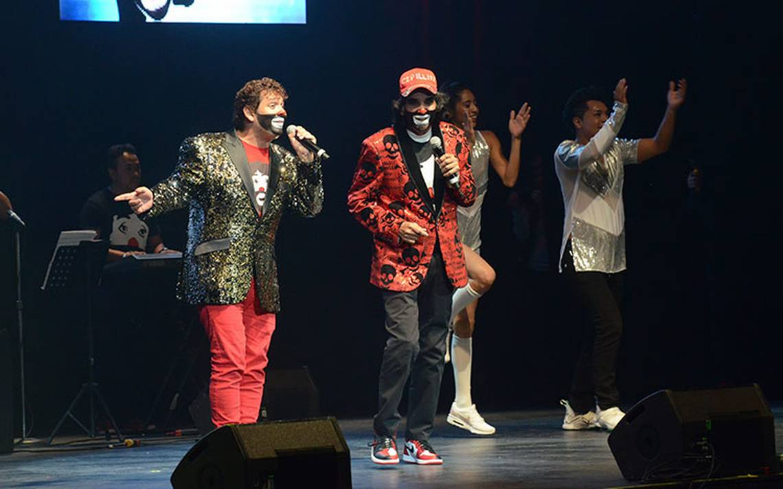 Junto a sus hijos, Cepillín ofrece show en el Metropolitan