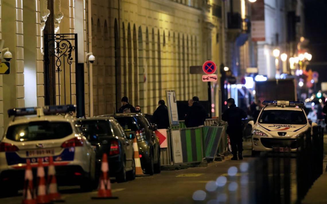 Con hachas asaltan joyería del hotel Ritz en París, se llevan botín millonario