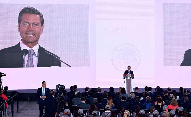 """El éxito de la nación """"o es de todos o no es éxito"""": Peña Nieto"""