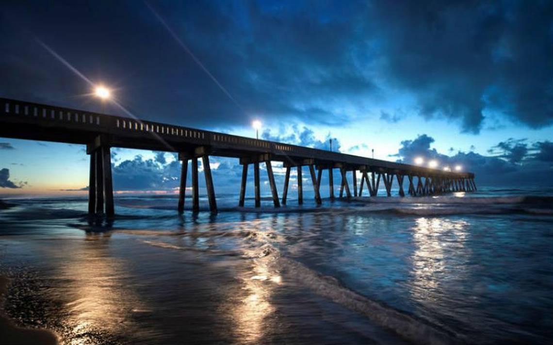 """Poderoso huracán Florence amenaza costas de EU con vientos """"despiadados"""""""