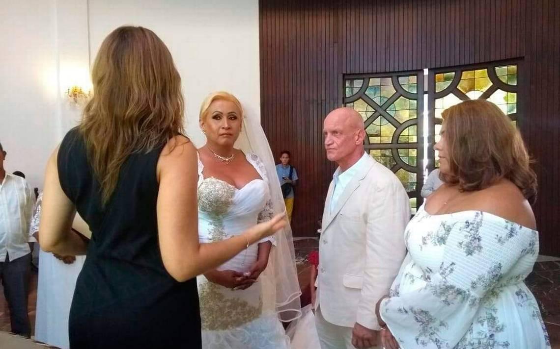 Realizan la primera boda civil de una mujer transgénero en Veracruz