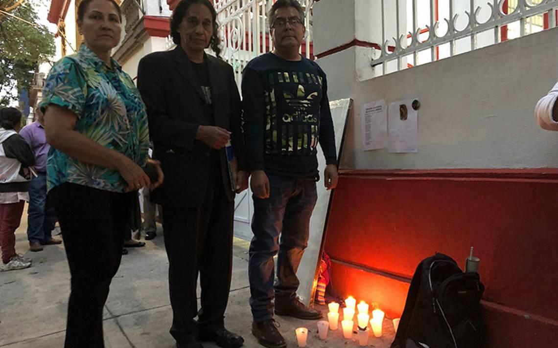 Veladoras para AMLO: montan altar para protegerlo en su casa de transición