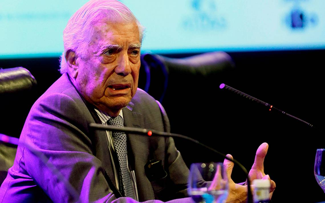 ¿Lo felicitó? Esto es lo que dijo Vargas Llosa sobre el triunfo de AMLO