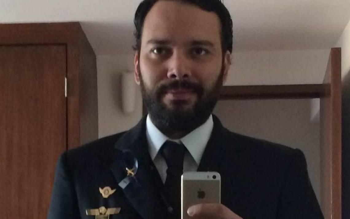 Piloto del avión colapsado en Durango se recuperará en la CDMX