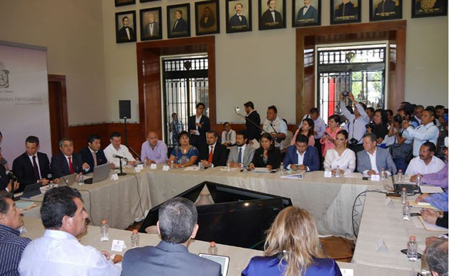 Buscan rescate económico con mesas de diálogo empresariales en Oaxaca