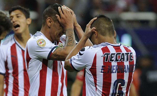 Chivas y Toluca empatan sin goles en la Jornada 1