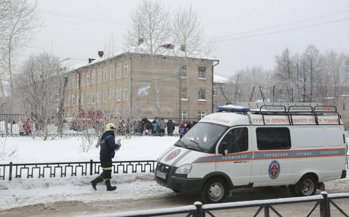Enmascarados acuchillan a 14 alumnos y una maestra en Rusia