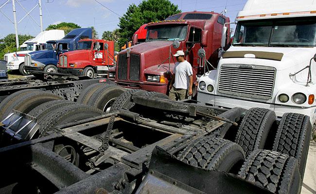 Crecen ventas de camiones pese a tipo de cambio