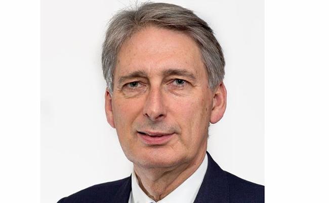 Necesita Reino Unido reservas financieras para afrontar el Brexit: ministro Hammond