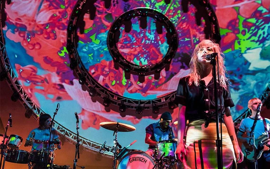 Paramore hace vibrar a miles de fans durante concierto en México