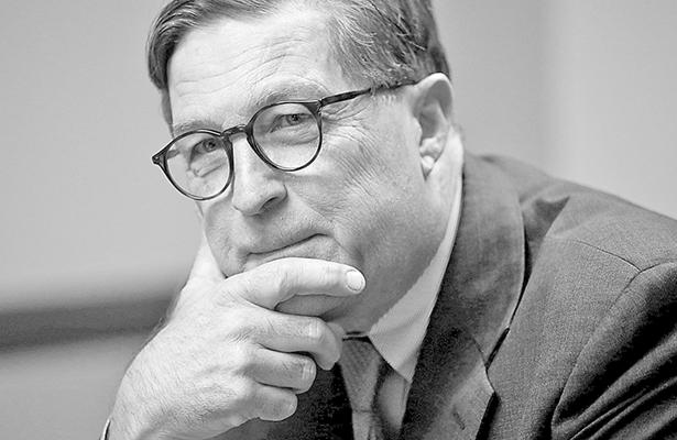 Renuncia jefe de la Fed de Richmond; reconoce errores