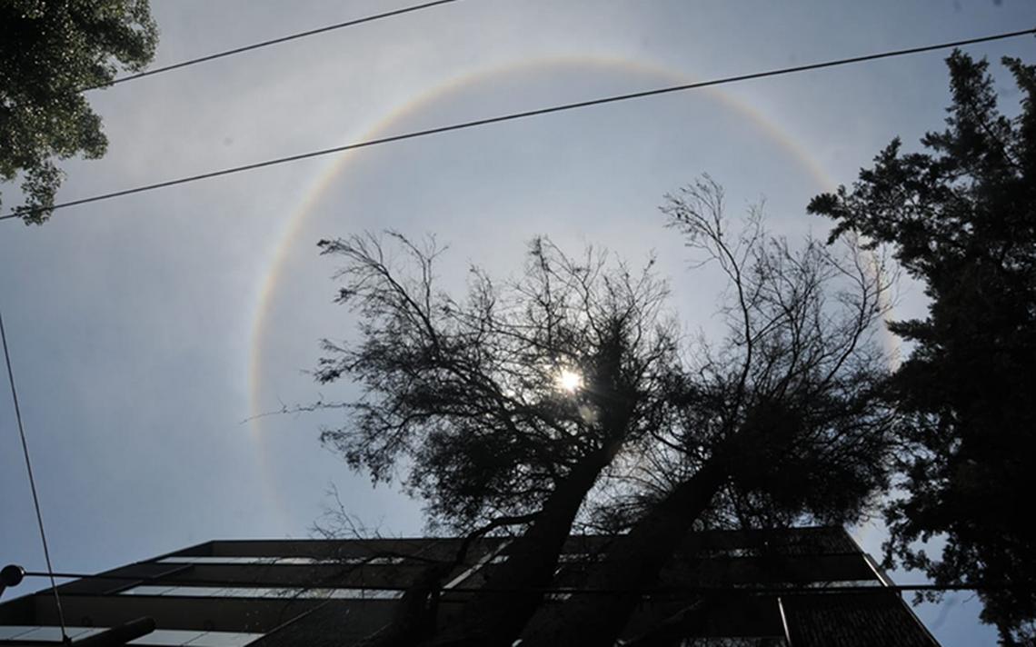 Halo solar ilumina y sorprende a México