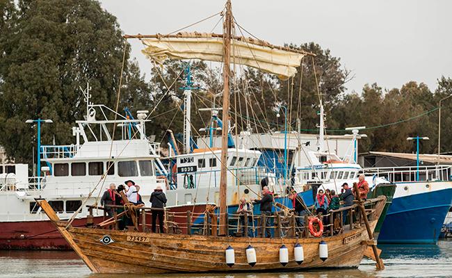 Barco persa regresa a la mar después de 2,500 años