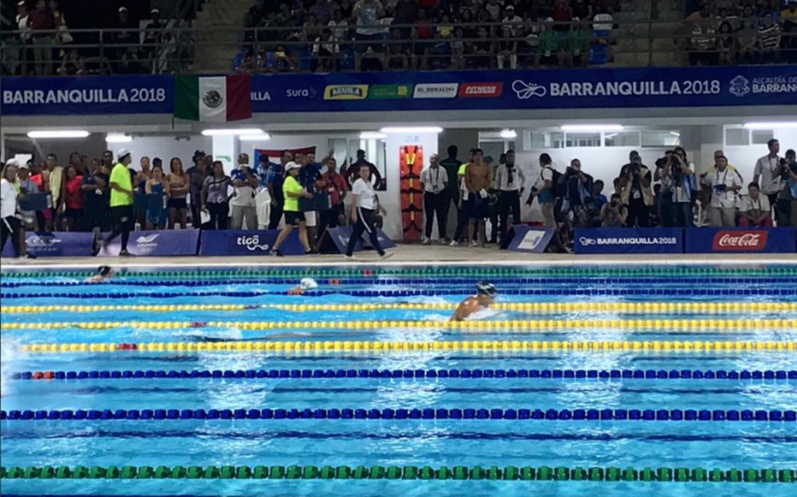 Con récord centroamericano, Mónika González gana oro en 200m combinado en natación