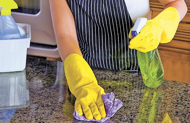 Quieren contrato para trabajadoras domésticas