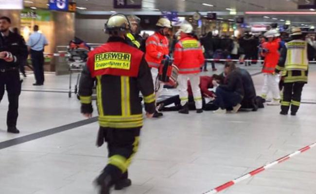 Detienen a hombre que atacó con hacha en tren de Alemania; hay 5 heridos
