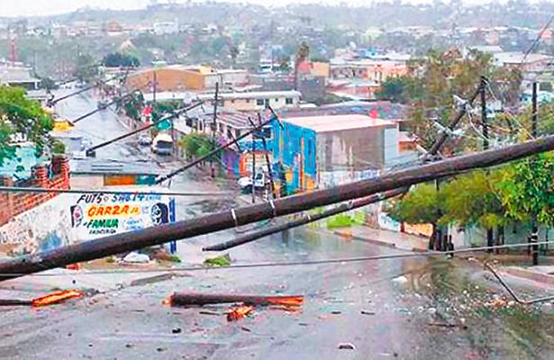 Lluvias dejan estragos  en escuelas de Tijuana
