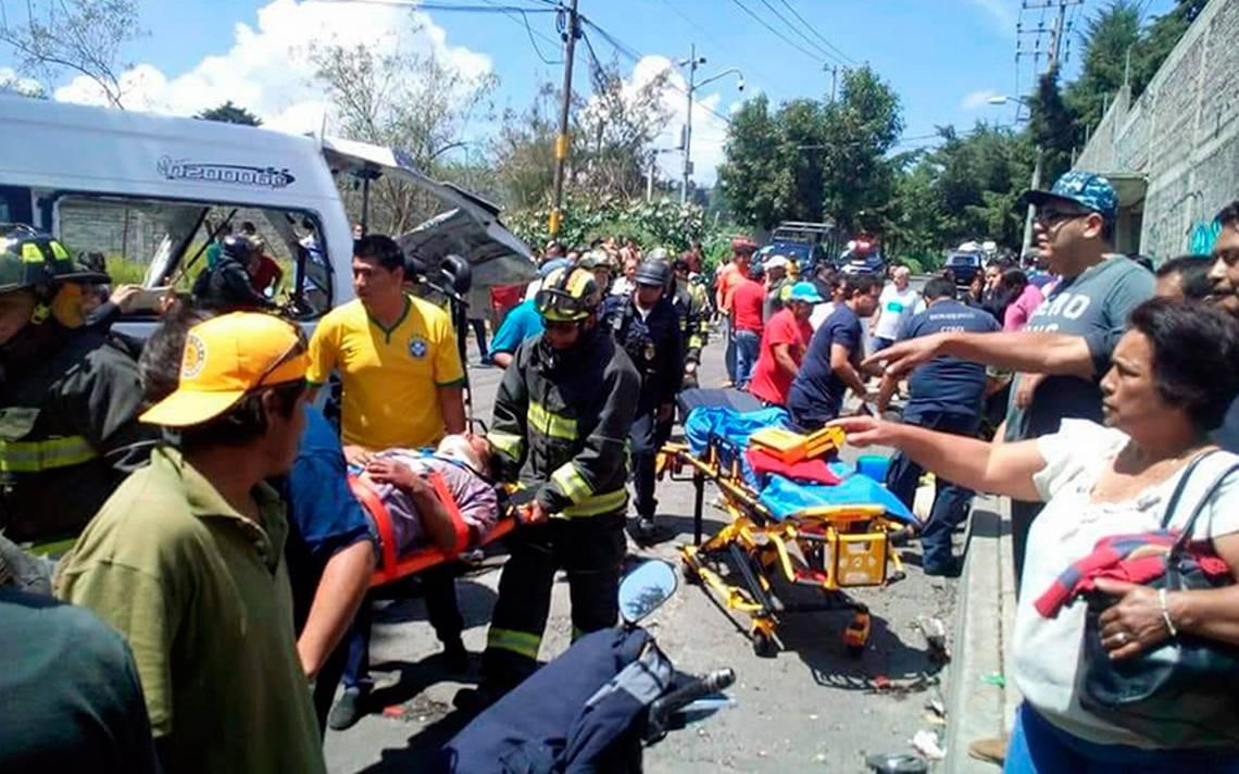 Combi se accidenta en la Xochimilco-Topilejo; al menos 15 lesionados
