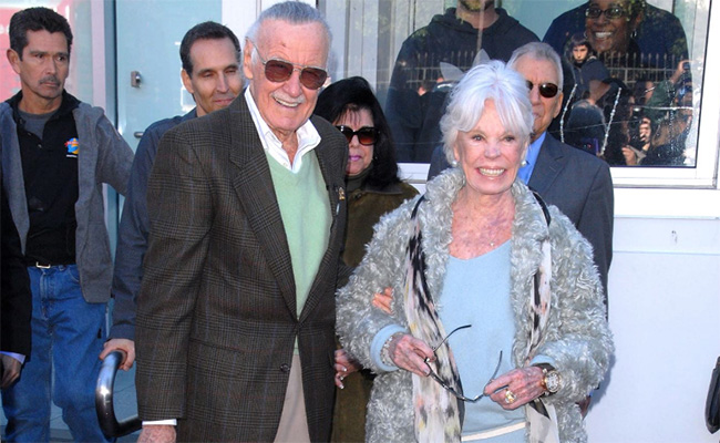 Muere Joan Lee, esposa de la leyenda del cómic Stan Lee