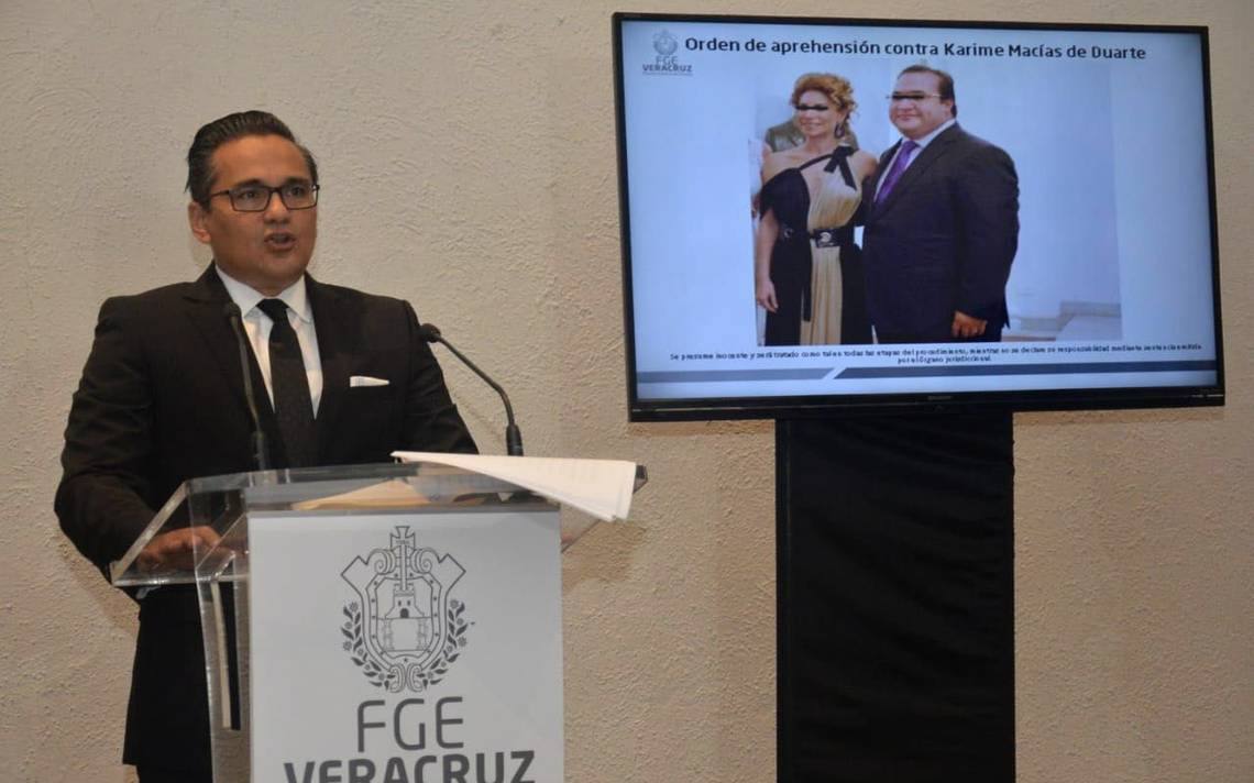 Fiscalía de Veracruz solicita a la PGR emitir ficha roja y alerta migratoria contra Karime Macías