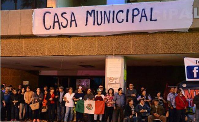 Toman Palacio Municipal en Mexicali