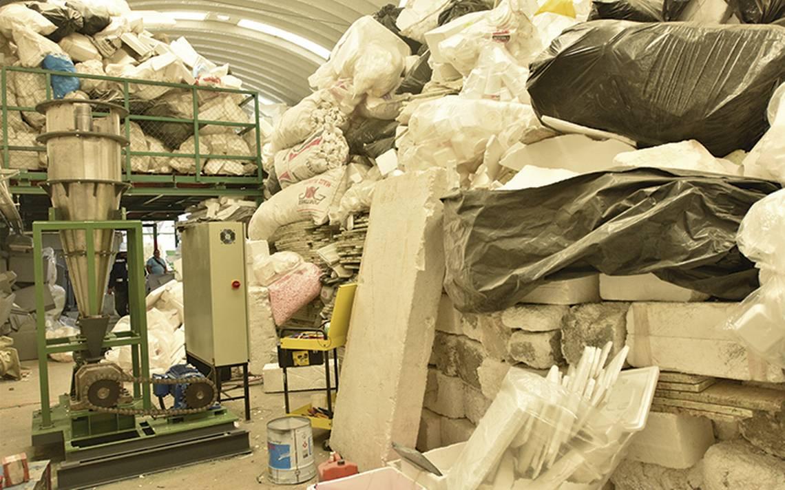Jóvenes emprendedores reciclan unicel en la CdMx