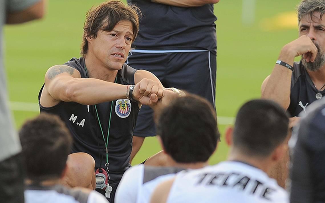 Matías Almeyda listo para dirigir su primer entrenamiento