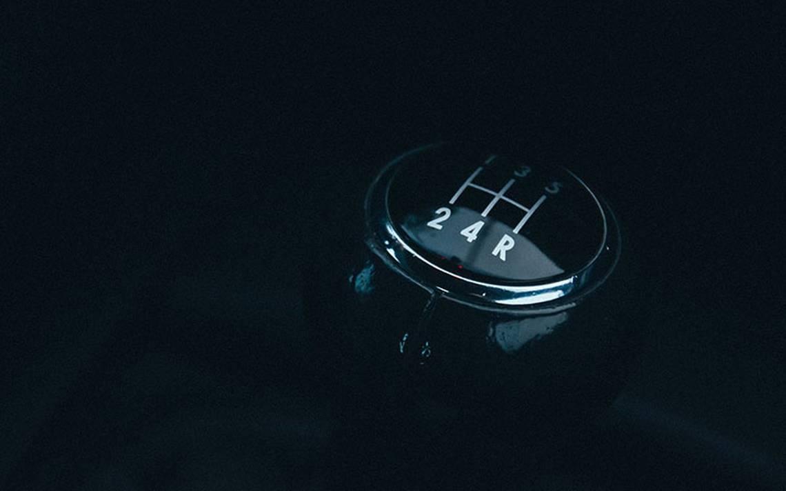 ¿Cómo actúa una transmisión manual?