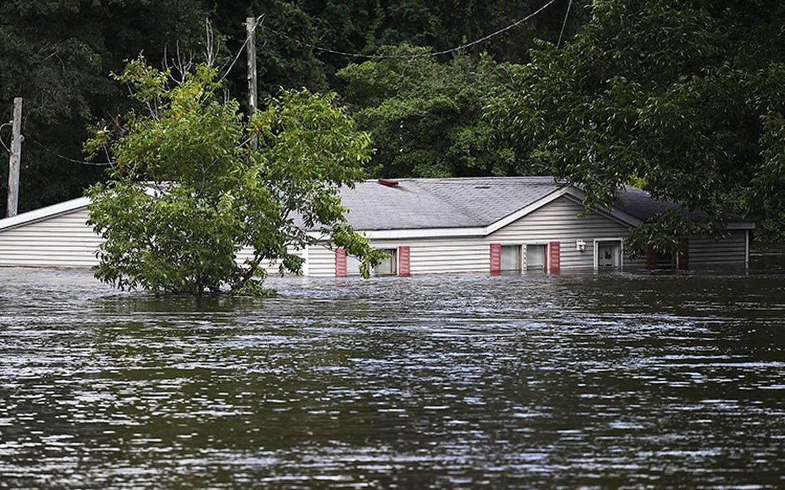 Sureste de EU bajo el agua y al menos 23 muertos por Florence