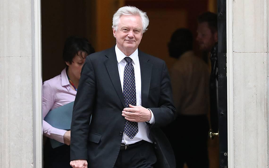 Renuncia David Davis, el ministro británico designado para el Brexit
