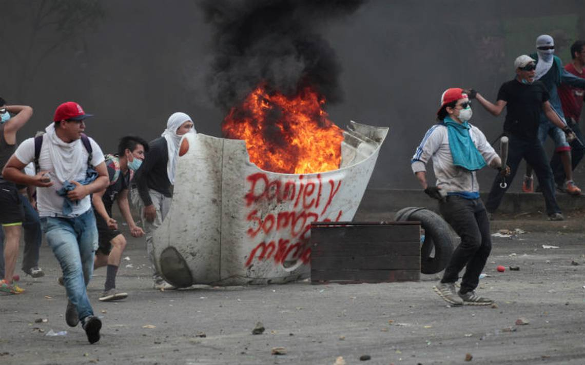 Suman 27 muertos por protestas en Nicaragua: ONG; continúan saqueos