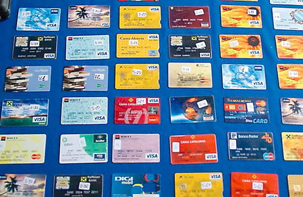 Desmantelan en España a defraudadores con tarjetas