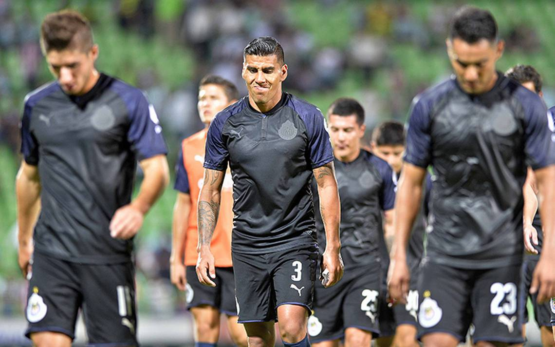 Santos rescató el empate ante las Chivas