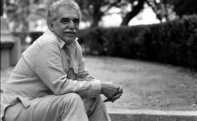 Dedican en París una plaza a García Márquez